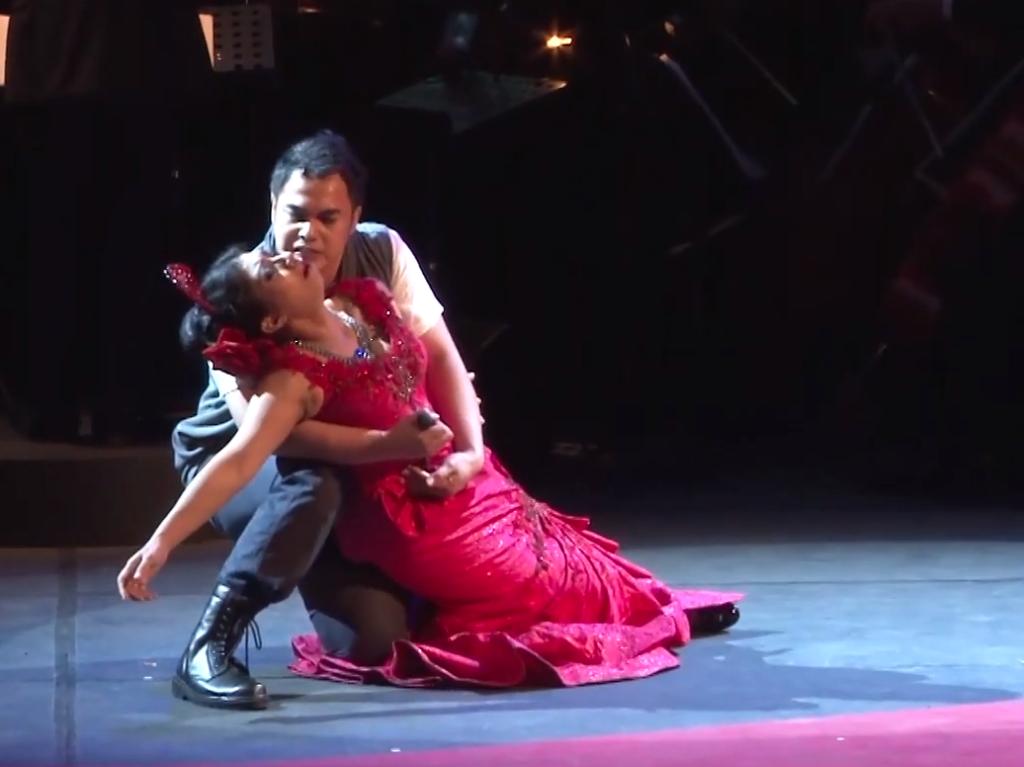 Carmen murdered by Josè